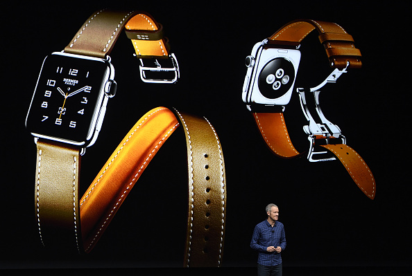 Jeff Williams, chief operating officer of Apple Inc., unveils the Apple Watch 2 during an event in San Francisco, California, U.S., on Wednesday, Sept. 7, 2016.