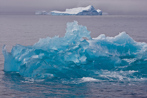 Antartic Ice Shelf May Recede Within 100 Years, Research Explains