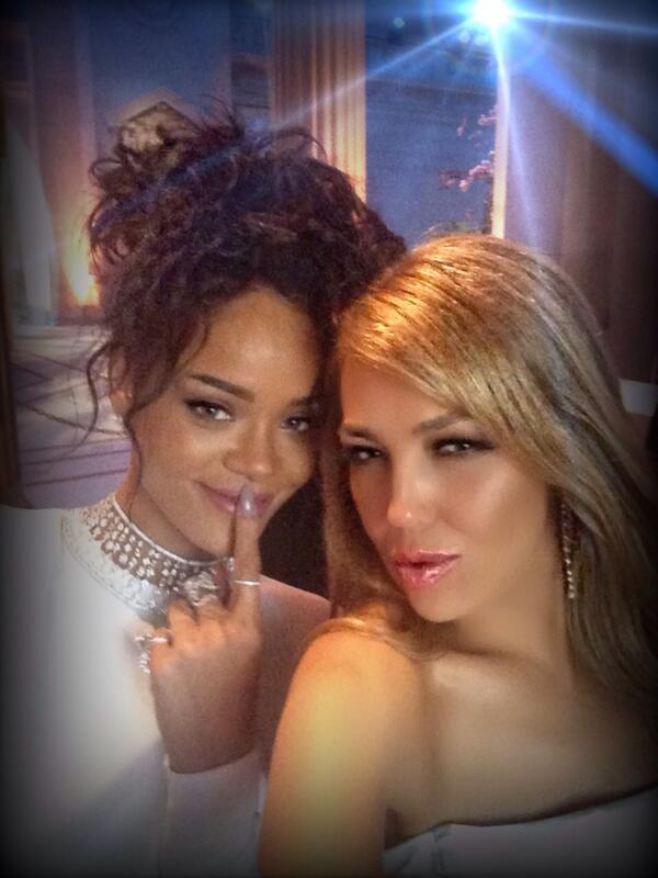 Rihanna, Thalia(Photo ...