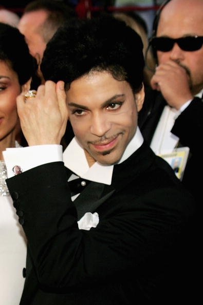 Musician Prince arrives at the 77th Annual Academy Awards at the Kodak Theater on February 27, 2005 in Hollywood, California.