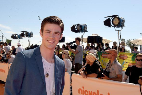 'The Flash' Star Grant Gustin Is Engaged! See His Fiancée's Stunning Ring