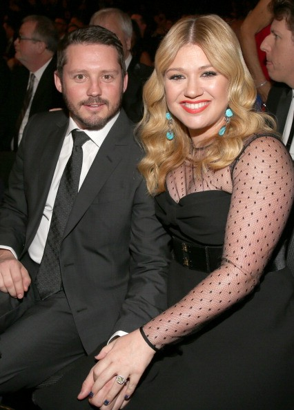 Kelly Clarkson's Pregnancy Is Leaving Her With a Tough Choice: Will ...