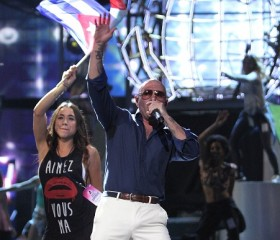Pitbull, Other Latino Artists Rock at Univision's 2014 Premios Juventud Awards