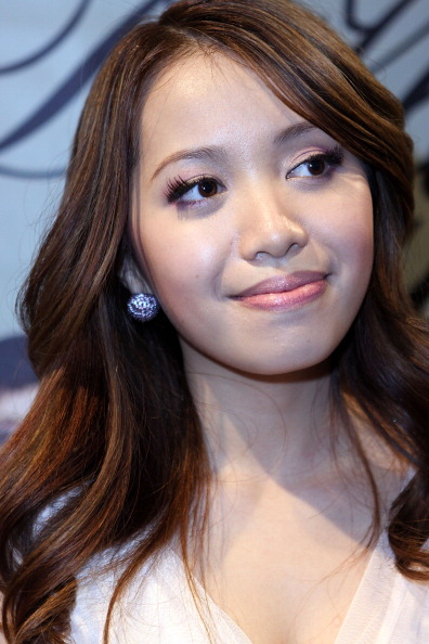 Why do people hat on Michelle Phan, I mean she seems nice after all?