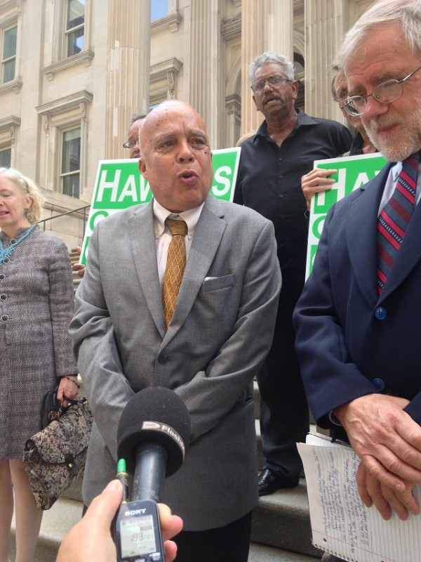 http://images.latinpost.com/data/images/full/18423/green-party-candidates-for-attorney-general-and-governor-l-r-ramon-jimenez-and-howie-hawkins-outside-tweed-courthouse-on-moreland-commission-corruption-crisis.jpg?w=600