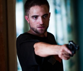 "Why Robert Pattinson Should Be Nominated for Best Supporting Actor This Year for ""The Rover """