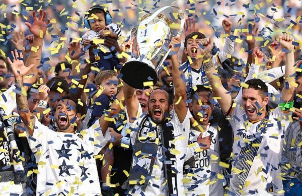 mls liga mx report retiring landon donovan wins sixth mls cup america uanl head to 2014 liguilla finals sports latin post