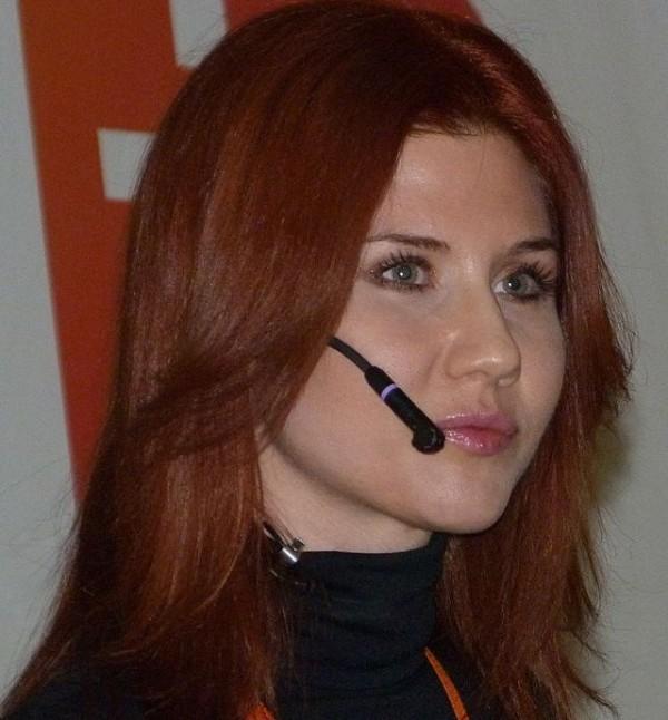 Kremlin Ordered Sexy Russian Spy Anna Chapman to Seduce Whistleblower ...