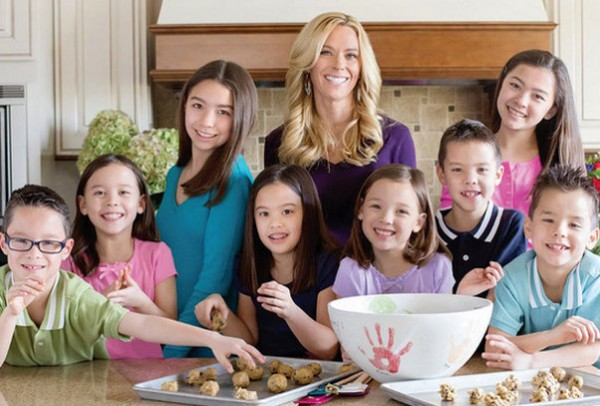 [Image: kate-gosselin-plus-8-kids.jpg?w=600]