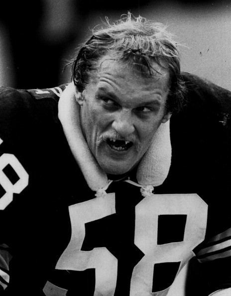 Photo : Getty) Jack Lambert led the Steelers to 4 Super Bowl titles ...