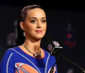 Katy-Perry-Super-Bowl-Press-Conference