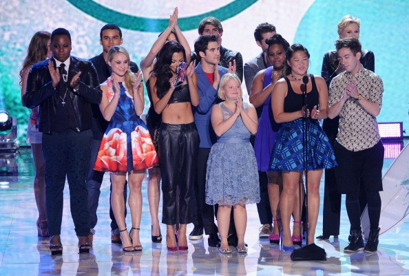 'Glee' Series Finale Incorporates Flashbacks and Flash Forwards