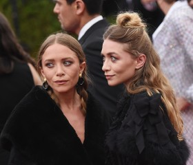 "Mary Kate and Ashley Olsen Decide not to Reprise Role in ""Fuller House"" Spinoff Series"