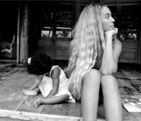 Beyonce and Blue Ivy having a mother-daughter moment