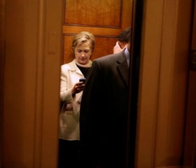 Clinton Campaign Sees 'No Need' to Turn Over Email Server