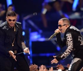 Premios-Tu-Mundo-2015-Performers