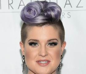 Kelly-Osbourne-Latino-Clean-Toilets-Comment
