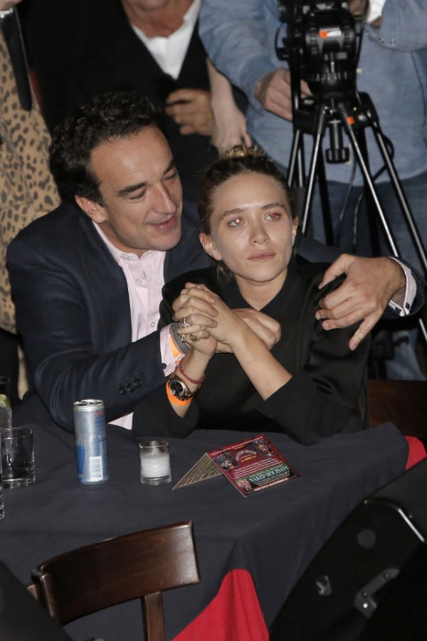 mary kate dating olivier sarkozy