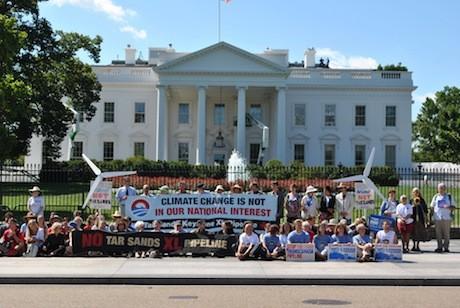 Keystone-XL-pipeline-white-house-Protest