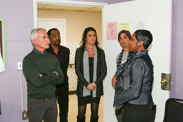 Days of our lives makes donation to the genesis house women s shelter