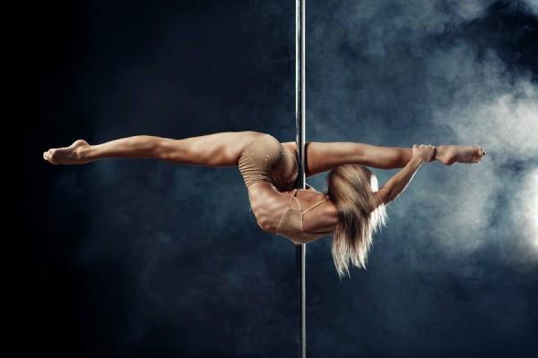 Anastasia Skukhtorova, Winner of the Second Pole Dancing World Cup, Returns to Brazil.