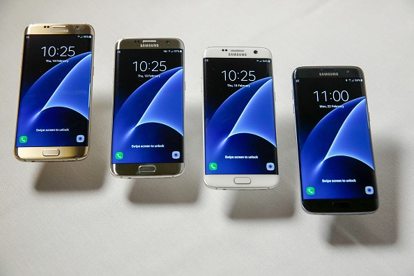 Samsung Unveils New Galaxy S7 In Latest Phase of Apple Battle