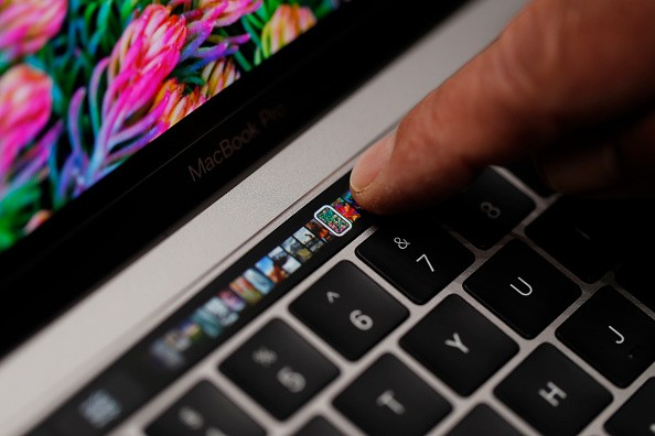 New MacBook Pro with touch bar suffers from serious battery issues