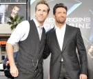 Actors Ryan Reynolds (L) and Hugh Jackman arrive at the screening 20th Century Fox's 'X-Men Origins: Wolverine' at the Chinese Theater on April 28, 2009 in Los Angeles, California.