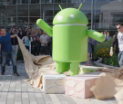 Android Nougat Statue Unwrapping