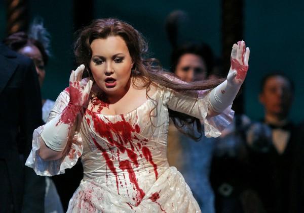 Albina Shagimuratova led a terrific cast of Lucia di Lammermoor at the Metropolitan Opera.