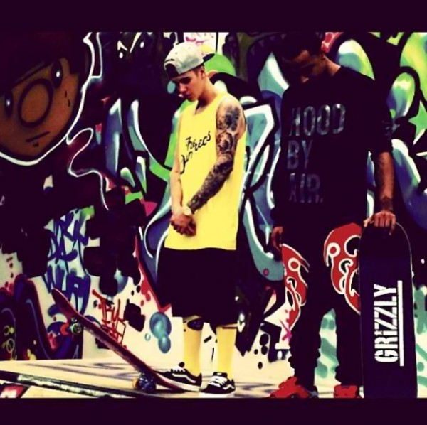 Justin Bieber Hanging Out